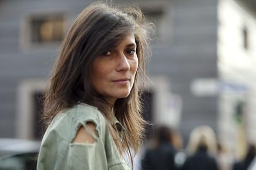 Emmanuelle-Alt-green-shirt1
