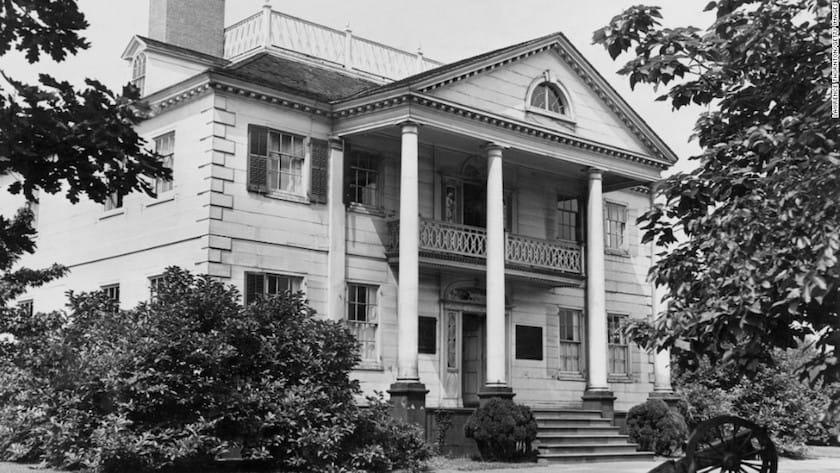 130930184547-01-haunted-houses-horizontal-large-gallery