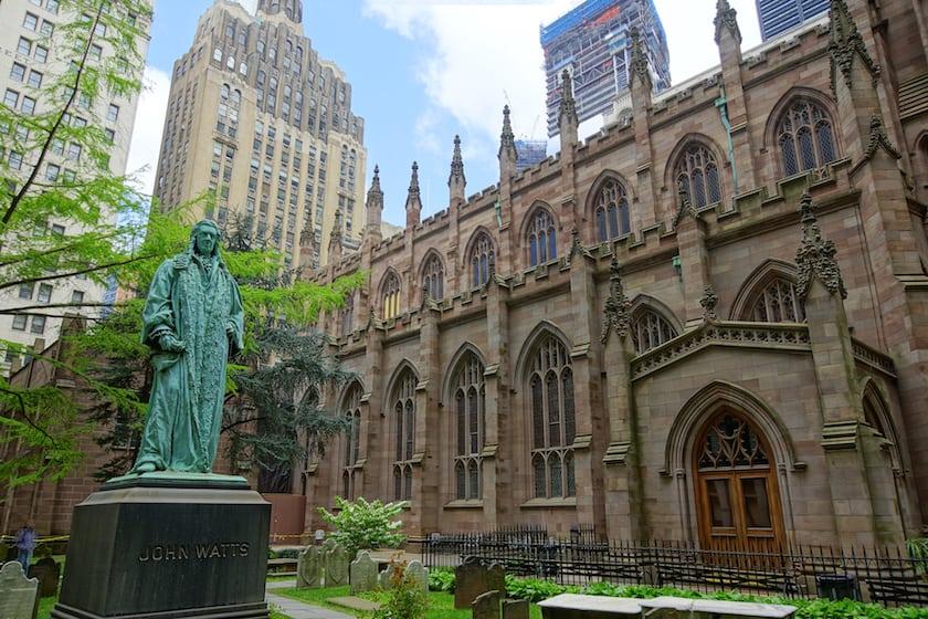 NYC_-_Trinity_Church_-_Watts_statue