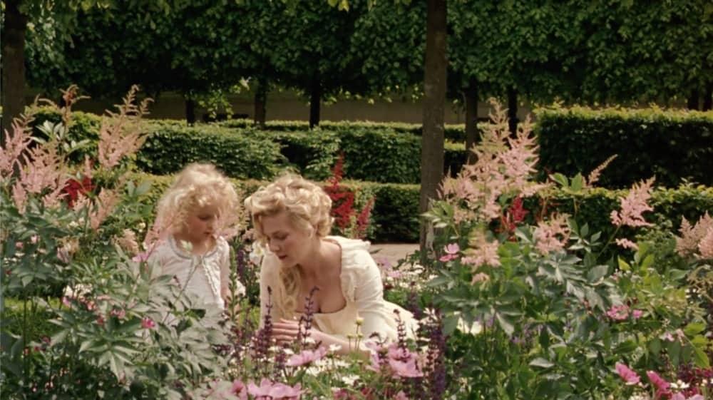 marie antoinette in the garden
